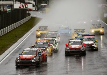 WTCC_Race_of_Hungary_Main_Race_start
