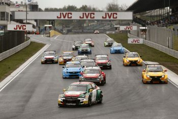 WTCC_Race_of_Hungary_Opening_Race_start